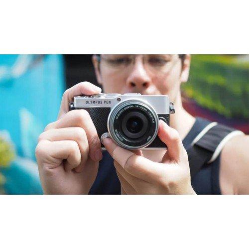 Первый обзор Olympus PEN E-P7 от DigitalCameraWorld